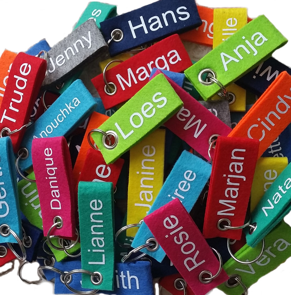 683abcbddef183 Vilten Sleutelhanger met naam, vilt in 21 kleuren verkrijgbaar